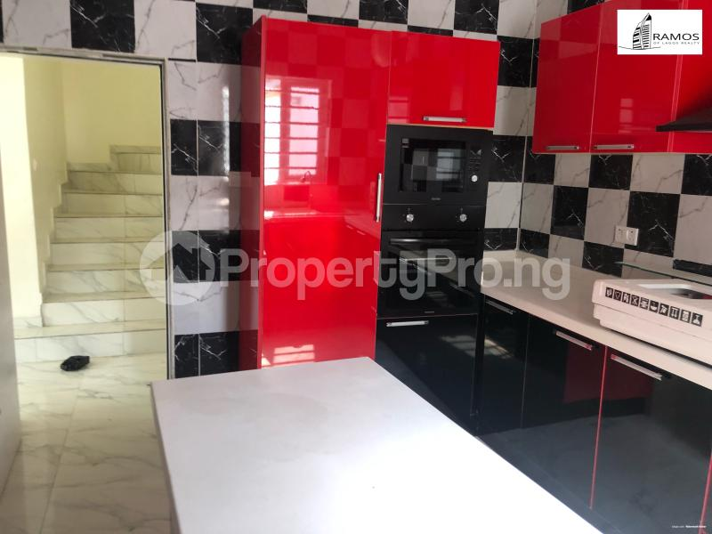 4 bedroom Semi Detached Duplex House for rent Saki Close Osapa london Lekki Lagos - 3