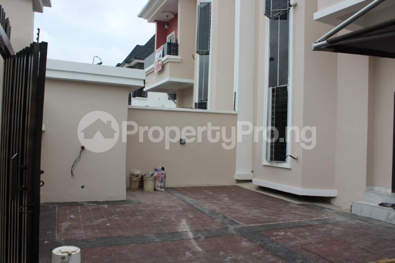 4 bedroom Semi Detached Duplex House for sale - chevron Lekki Lagos - 10
