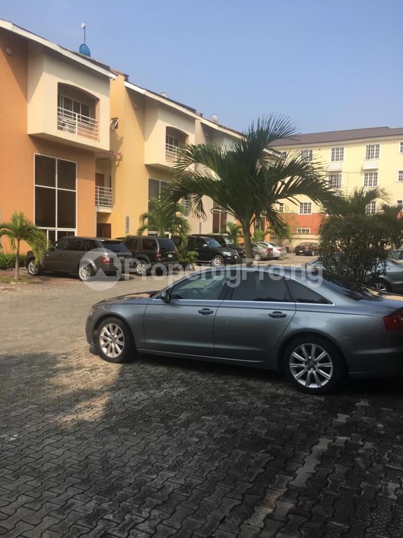 4 bedroom Terraced Duplex House for sale ONIRU Victoria Island Lagos - 23
