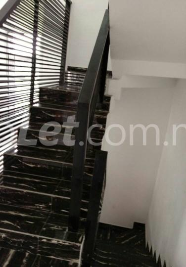 5 bedroom House for sale alternative road   chevron Lekki Lagos - 4