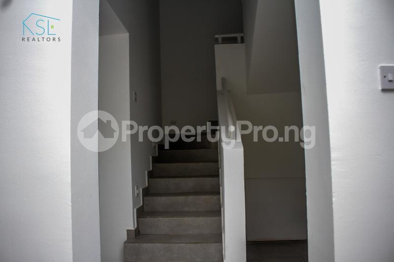 4 bedroom Semi Detached Duplex House for sale Off Freedom Way, Adebisi Ogunbiyi Lekki Phase 1 Lekki Lagos - 18
