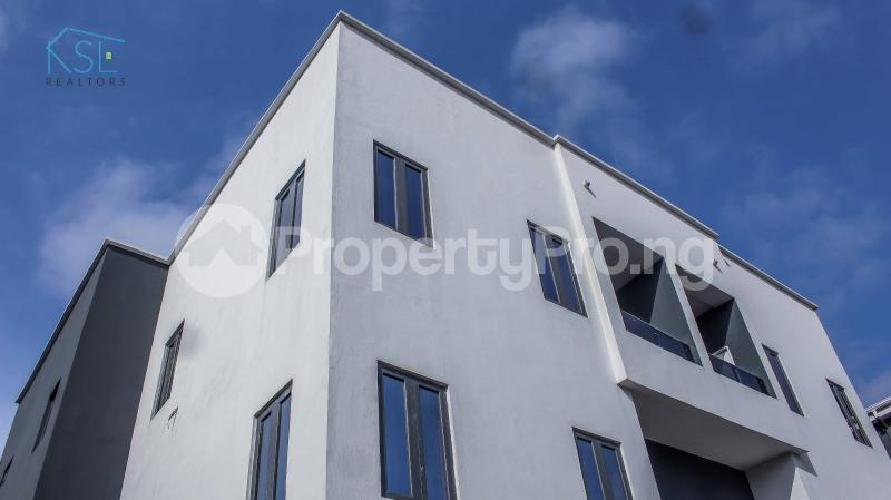 4 bedroom Detached Duplex House for sale close by circle mall; Osapa london Lekki Lagos - 26