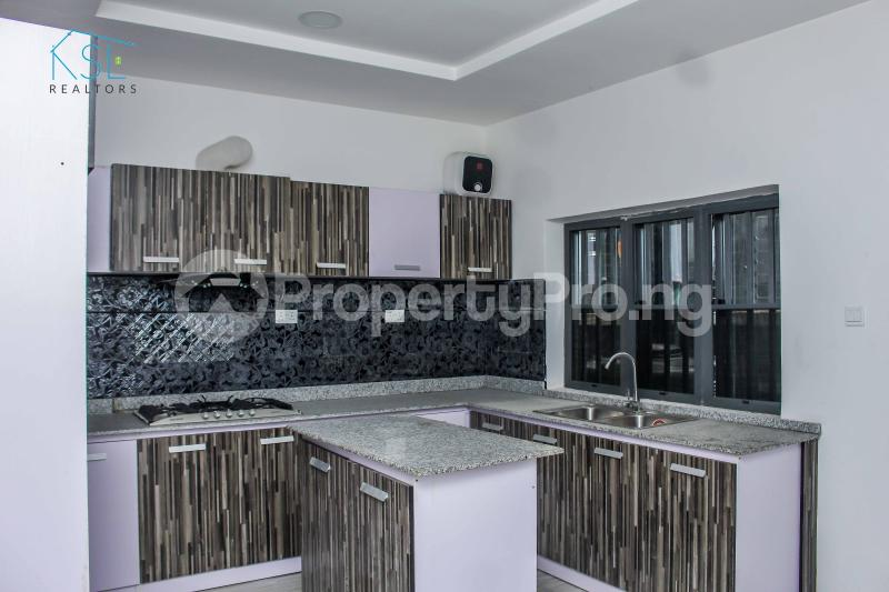 4 bedroom Detached Duplex House for sale close by circle mall; Osapa london Lekki Lagos - 6