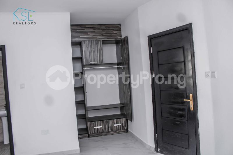 4 bedroom Detached Duplex House for sale close by circle mall; Osapa london Lekki Lagos - 13