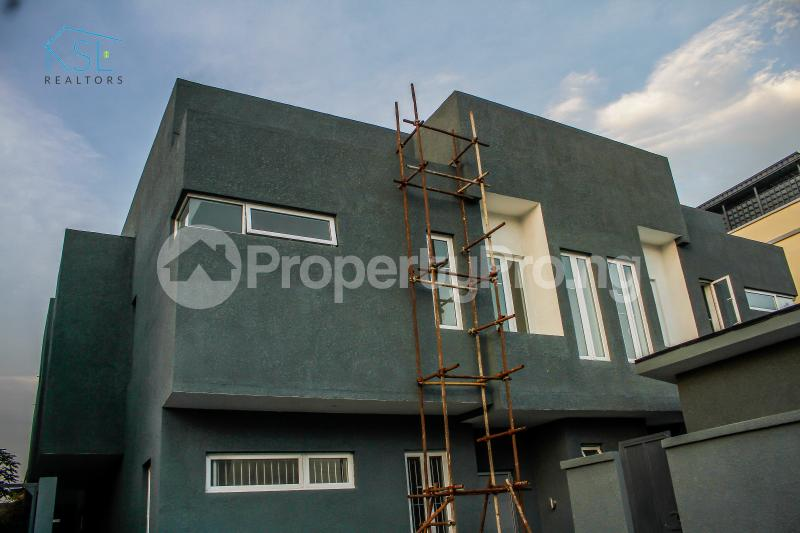 4 bedroom Semi Detached Duplex House for sale Off Freedom Way, Adebisi Ogunbiyi Lekki Phase 1 Lekki Lagos - 14