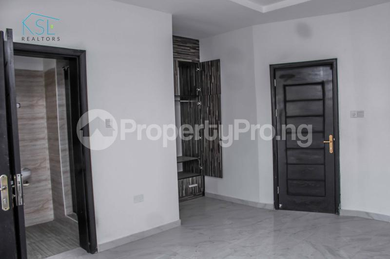 4 bedroom Detached Duplex House for sale close by circle mall; Osapa london Lekki Lagos - 14