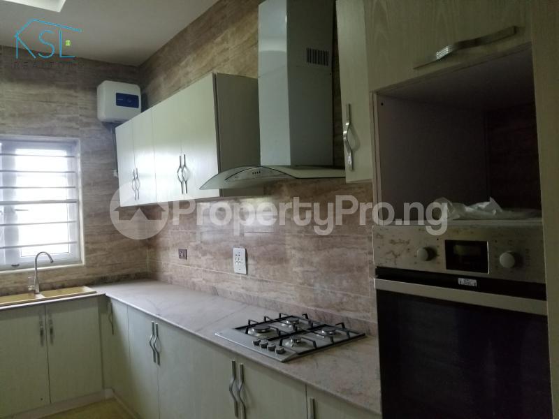 4 bedroom Semi Detached Duplex House for sale Alternative route by redeem church chevron Lekki Lagos - 6