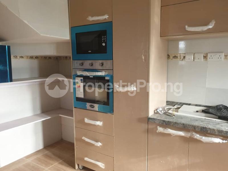 4 bedroom Penthouse Flat / Apartment for rent 3& 5 folashade street,   Oral estate lekki. The oral estate is beside Enyo fuel station. Ikota Lekki Lagos - 1