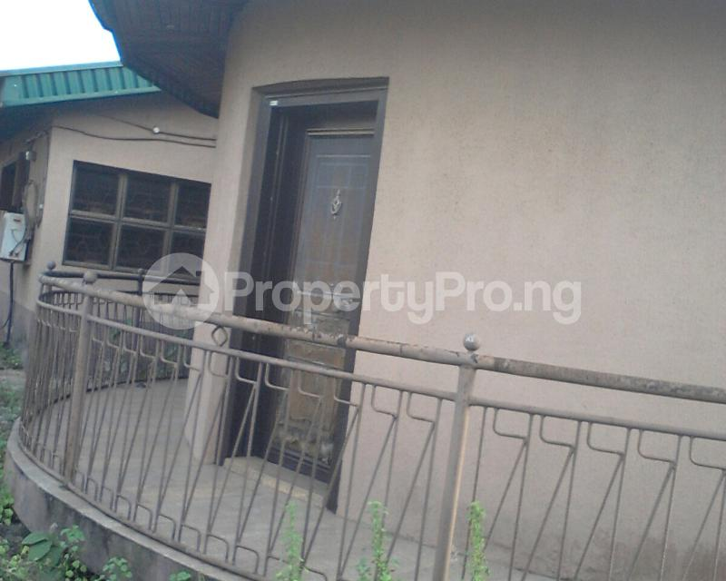 4 bedroom Detached Bungalow House for sale off owutu rd Agric  Agric Ikorodu Lagos - 3