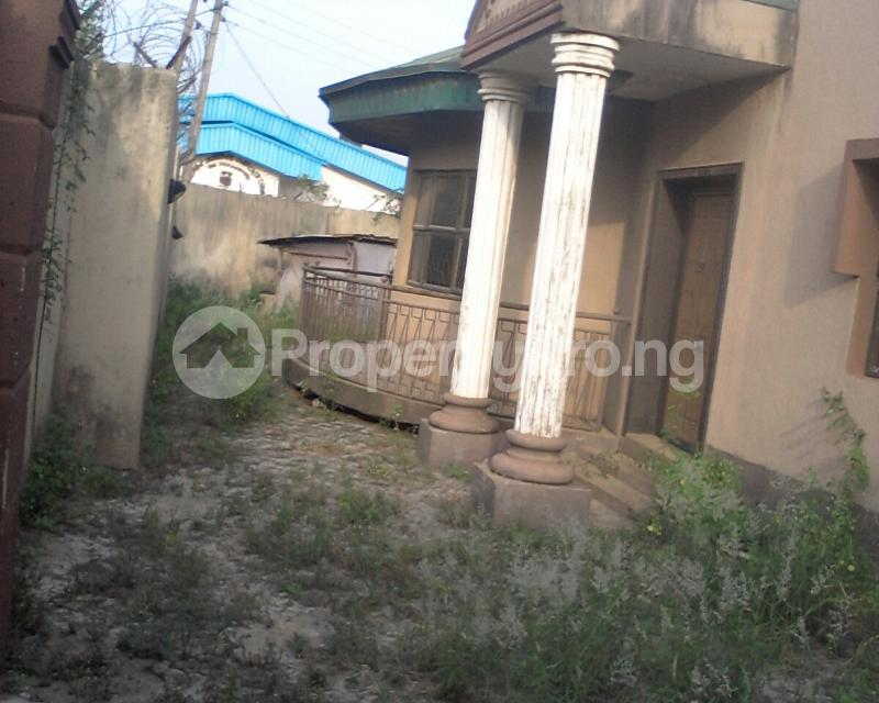 4 bedroom Detached Bungalow House for sale off owutu rd Agric  Agric Ikorodu Lagos - 2