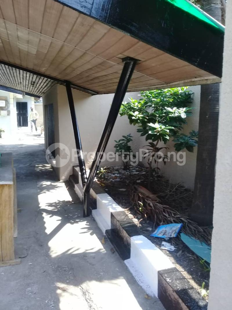 6 bedroom Detached Bungalow House for rent Ladipo Labinjo Bode Thomas Surulere Lagos - 9