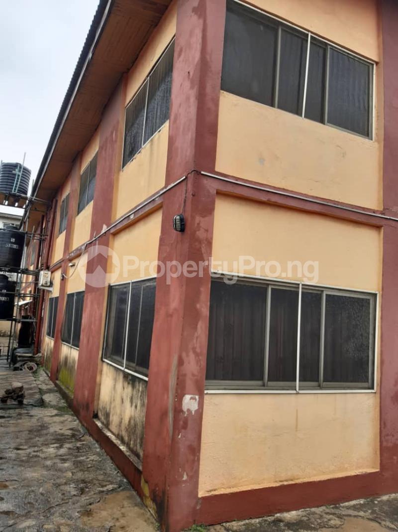 Flat / Apartment for sale Off Pedro road  Palmgroove Shomolu Lagos - 3