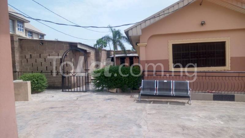 7 bedroom House for sale Elebu area Oluyole Estate Ibadan Oyo - 1