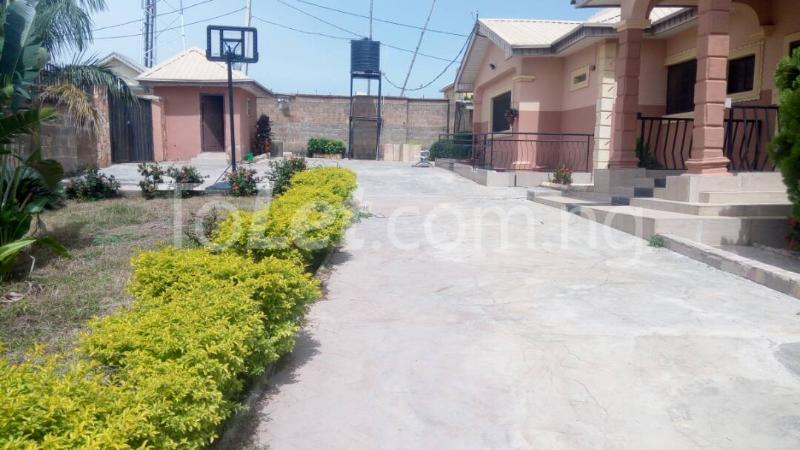 7 bedroom House for sale Elebu area Oluyole Estate Ibadan Oyo - 0