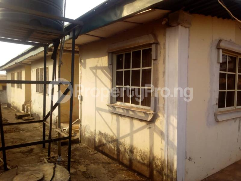 5 bedroom Detached Bungalow House for sale Isijola Street, Off FUTA Southgate Road Akure Ondo - 3