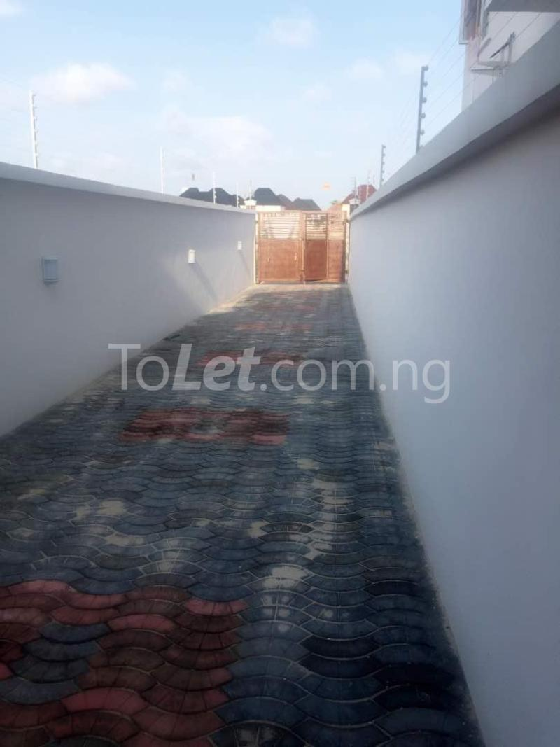 House for sale Chevron drive lekki. Lagos - 10