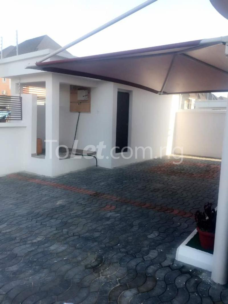 House for sale Chevron drive lekki. Lagos - 33