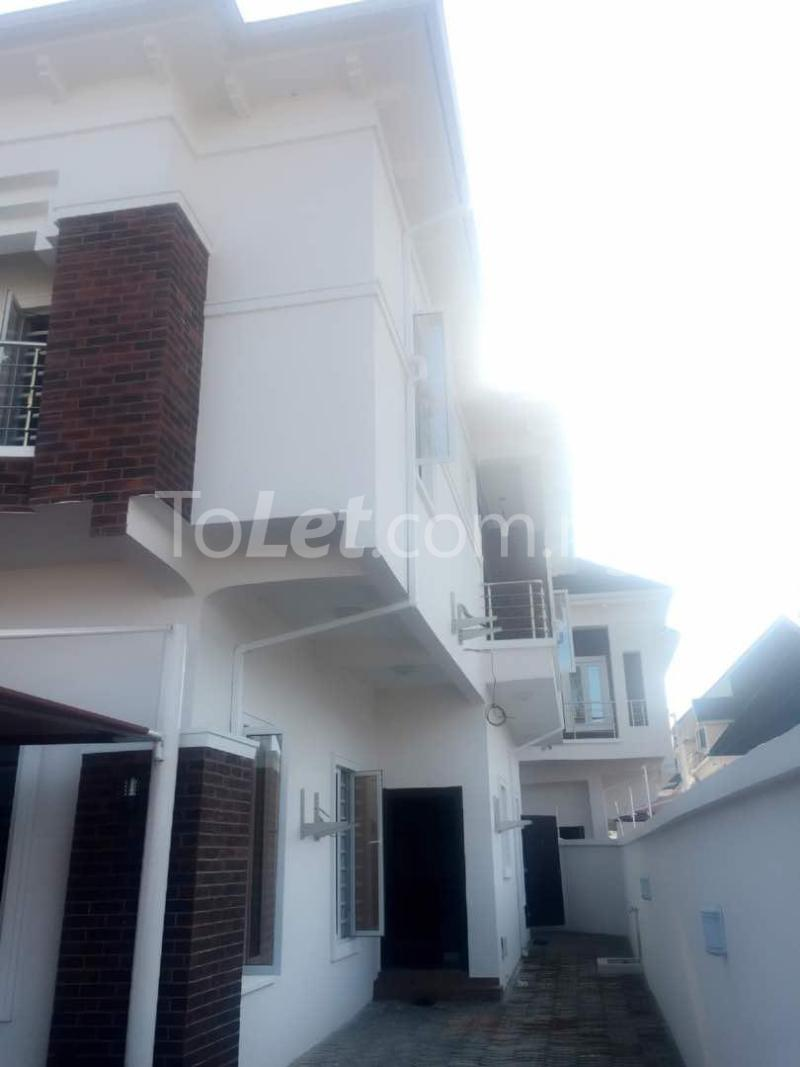 House for sale Chevron drive lekki. Lagos - 35