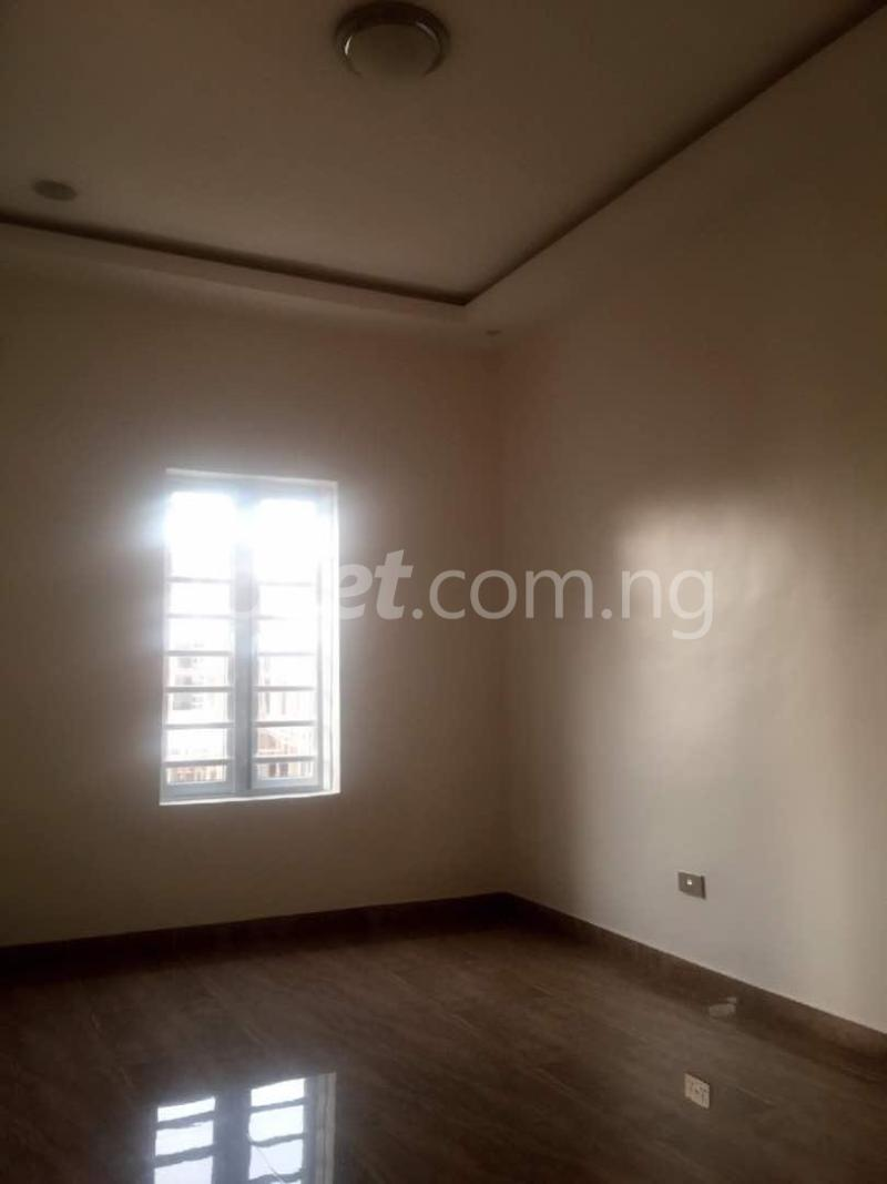 House for sale Chevron drive lekki. Lagos - 5