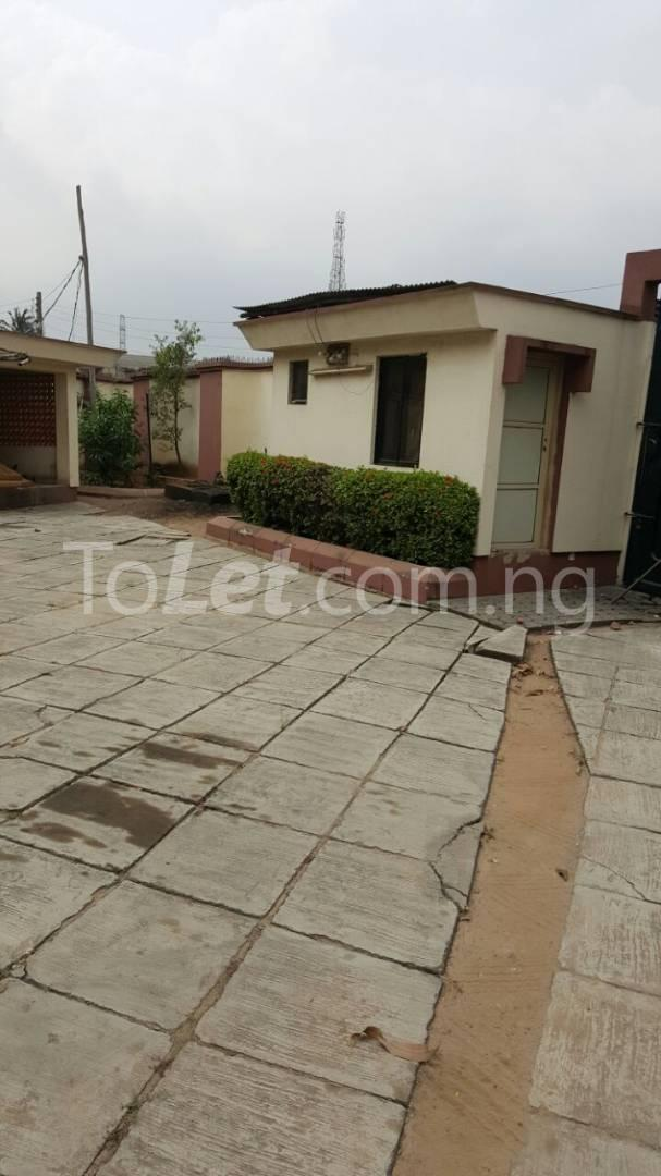 5 bedroom House for sale Sosanya Street off Soluyi Bus Stop Soluyi Gbagada Lagos - 2
