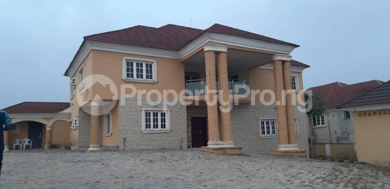 8 bedroom Detached Duplex House for sale Behind Olukayode House, Alagbaka Akure Ondo - 1