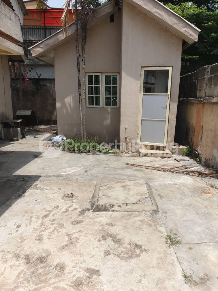 5 bedroom Detached Bungalow House for rent Off Hebert Macaulay Way, Alagomeji, Yaba Alagomeji Yaba Lagos - 1