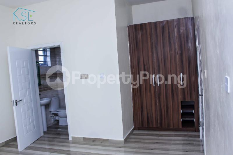 5 bedroom Detached Duplex House for sale Alternative Route by atlantic mall; chevron Lekki Lagos - 11