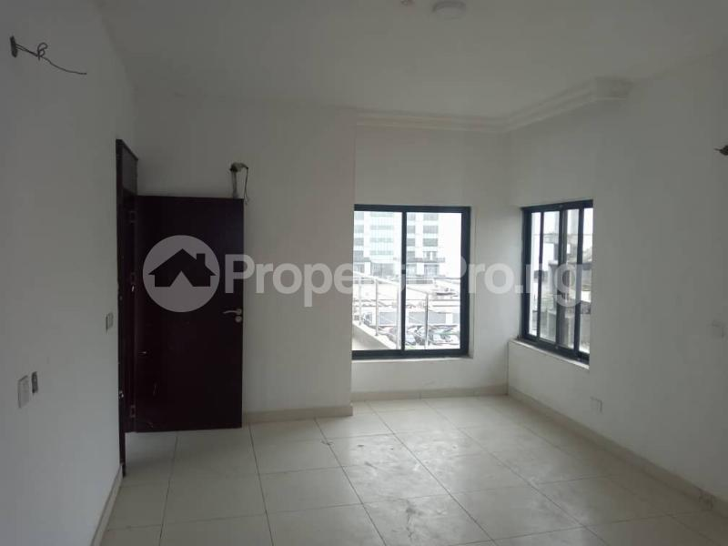 5 bedroom Penthouse Flat / Apartment for sale off Ligali Ayorinde Victoria Island Lagos - 8