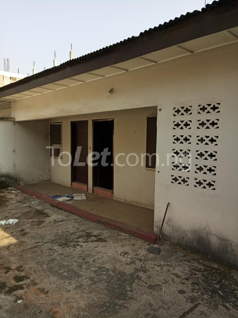5 bedroom Semi Detached Duplex House for sale Atunrase Atunrase Medina Gbagada Lagos - 5
