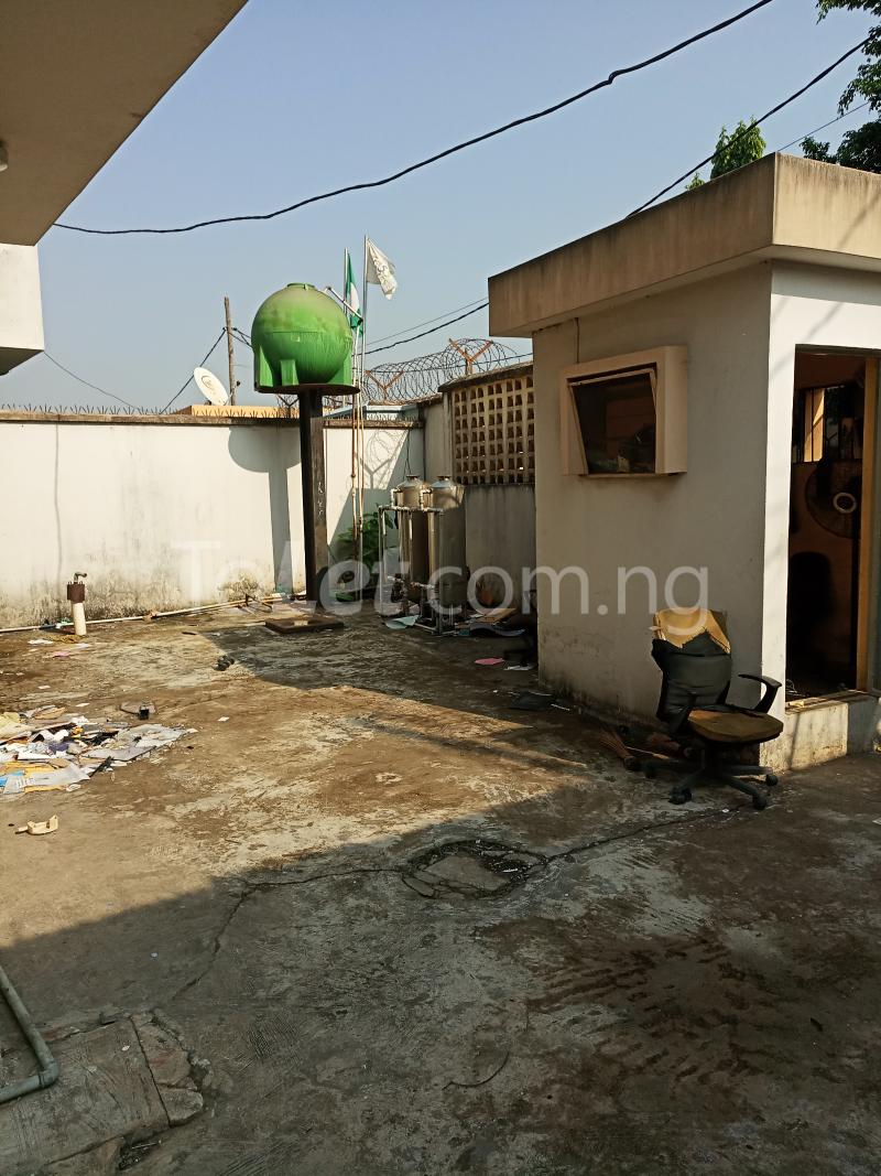 5 bedroom Semi Detached Duplex House for sale Atunrase Atunrase Medina Gbagada Lagos - 4