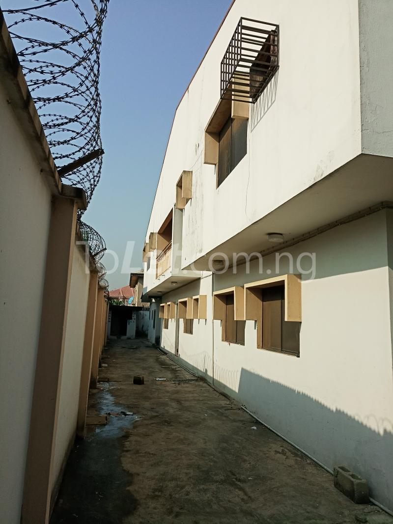 5 bedroom Semi Detached Duplex House for sale Atunrase Atunrase Medina Gbagada Lagos - 2