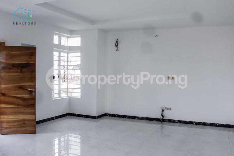 5 bedroom Detached Duplex House for sale Chevy view Estate chevron Lekki Lagos - 12
