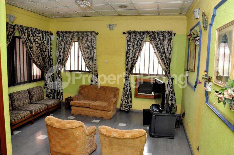 5 bedroom Detached Duplex House for sale Off 4th Avenue Festac Amuwo Odofin Lagos - 5