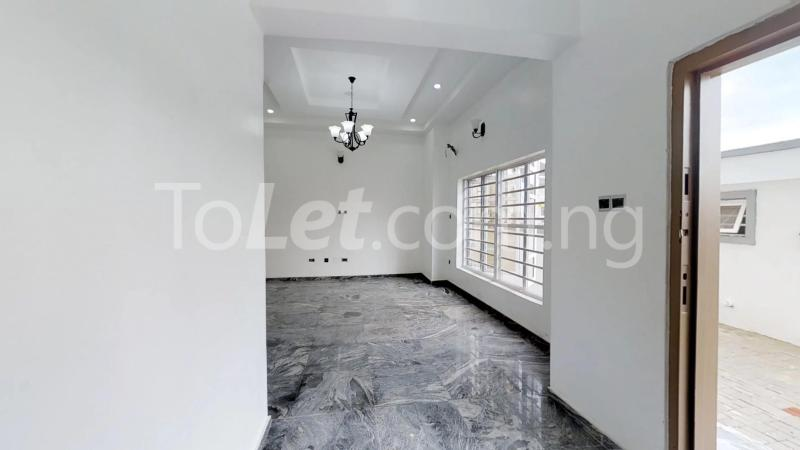 4 bedroom Semi Detached Duplex House for sale White oaks estate Ologolo Lekki Lagos - 3