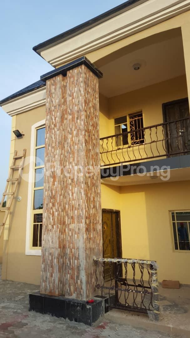 5 bedroom Semi Detached Duplex House for sale Off Orji Junction, Orji old Mbieri Rd  Owerri Imo - 4