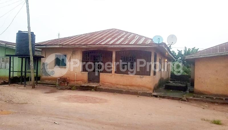 6 bedroom Detached Bungalow House for sale Jehovah Street, off supper St Saviour Road, Benin City  Oredo Edo - 1