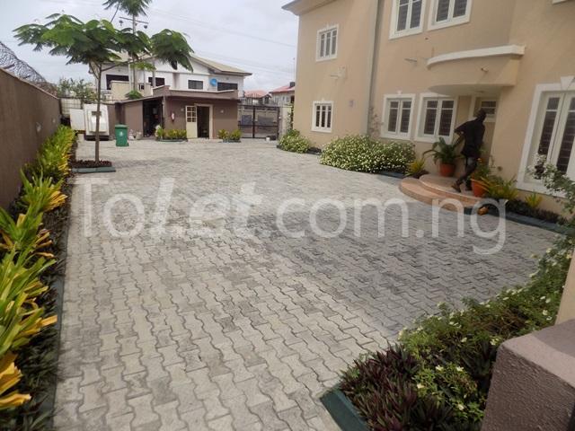 3 bedroom Flat / Apartment for rent just by Lekki phase1 2nd roundabout Lekki Phase 1 Lekki Lagos - 2