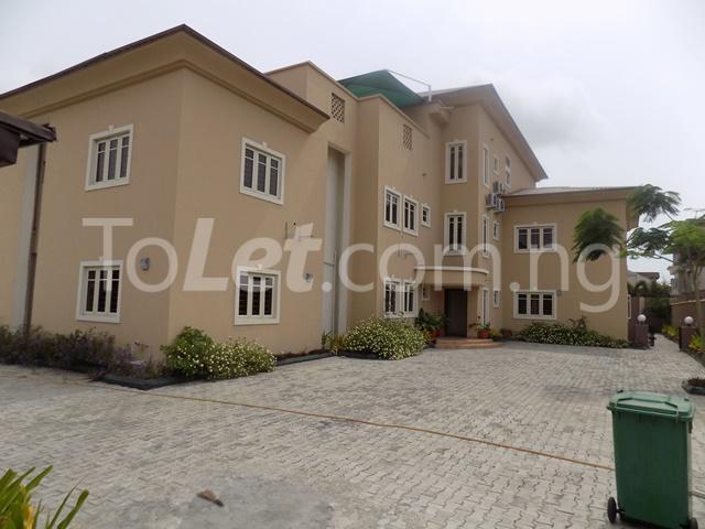 3 bedroom Flat / Apartment for rent just by Lekki phase1 2nd roundabout Lekki Phase 1 Lekki Lagos - 1