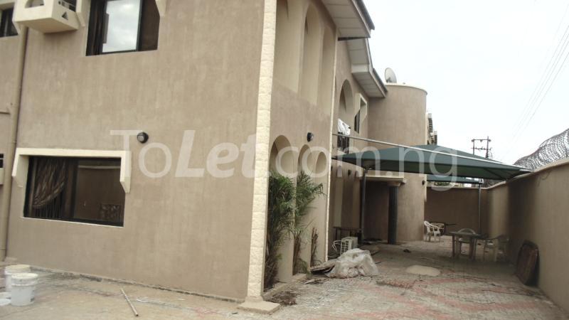 Flat / Apartment for sale Okota Amuwo Odofin Amuwo Odofin Lagos - 11