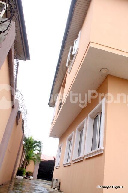 5 bedroom Detached Duplex House for sale Magodo ph1 isheri scheme i. Magodo GRA Phase 1 Ojodu Lagos - 4