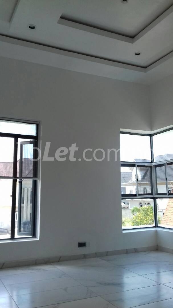 6 bedroom House for sale Alcaldia Estate Lekki Lagos - 2