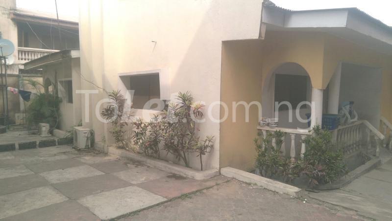 6 bedroom House for sale Unipetrol Ojo Lagos - 17