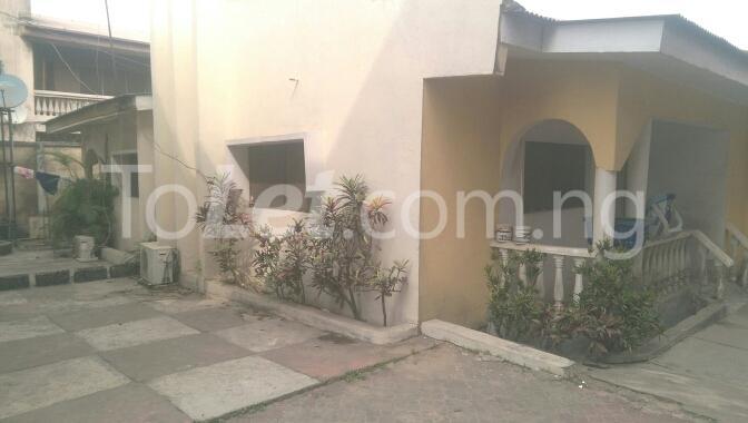 6 bedroom House for sale Unipetrol Ojo Lagos - 4