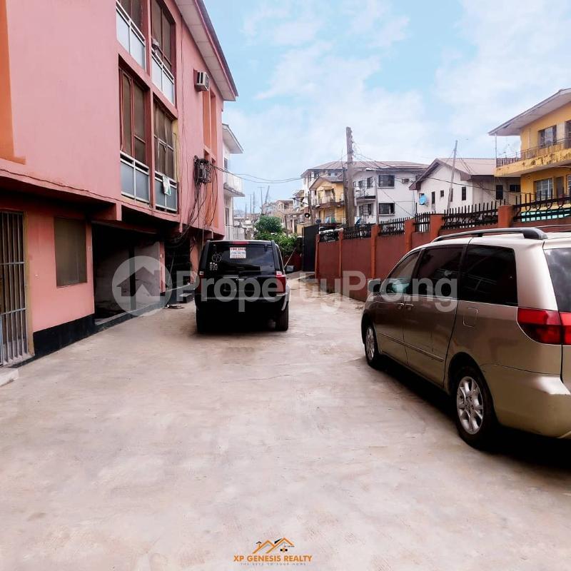 3 bedroom House for sale St Denise Akoka Yaba Lagos - 2