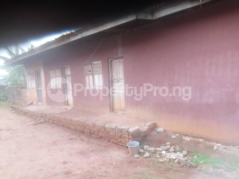 8 bedroom Detached Bungalow House for sale Close to teachers house, Ogida barrack, siloku road Egor Edo - 9