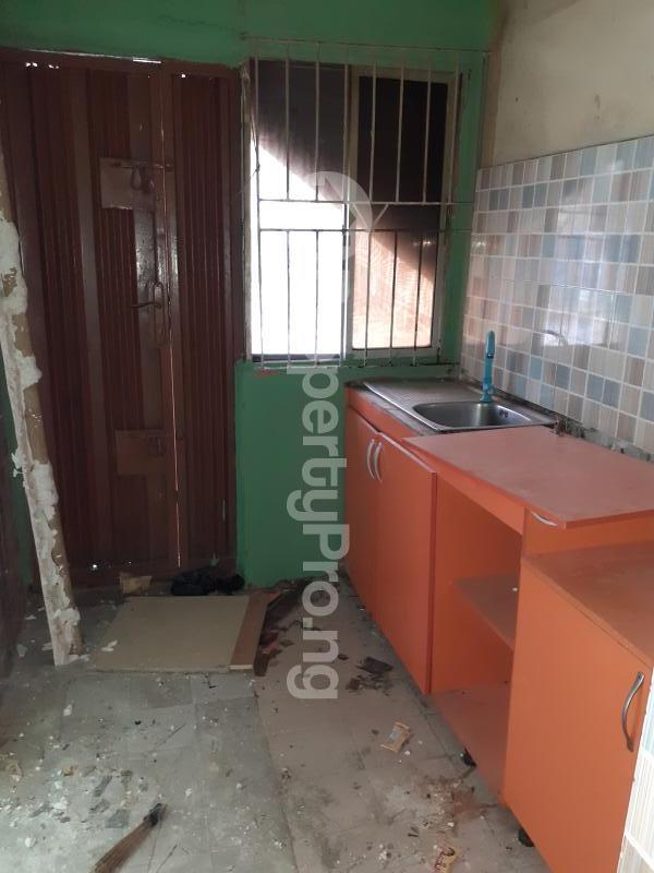 3 bedroom Flat / Apartment for rent Medina Estate Atunrase Medina Gbagada Lagos - 3