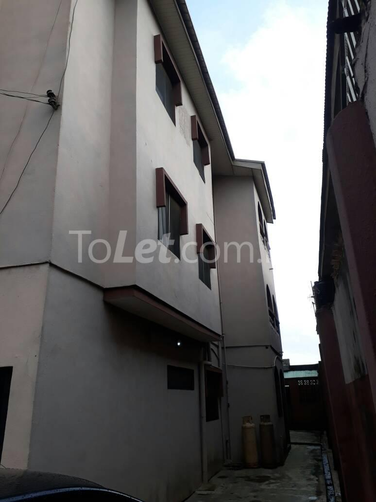 8 bedroom House for sale Ojodu  Berger Ojodu Lagos - 1