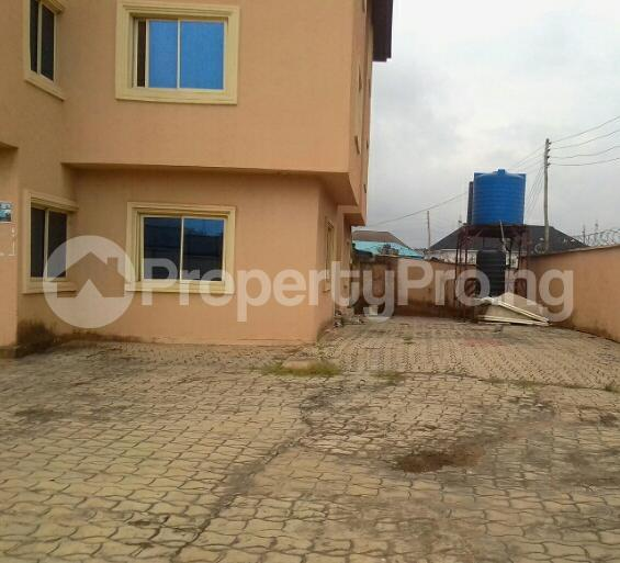 3 bedroom Blocks of Flats House for rent - council Egbe/Idimu Lagos - 4