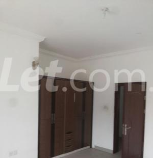 3 bedroom Shared Apartment Flat / Apartment for rent Onike Estate Onike Yaba Lagos - 4