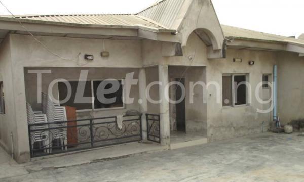 4 bedroom Detached Bungalow House for sale Kwara Quarters; Behind World Oil Filling Station, Ibafo Obafemi Owode Ogun - 0